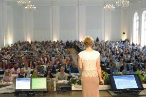 Eva Pauly ist Refereintin: Borreliose – eine Multisystemerkrankung